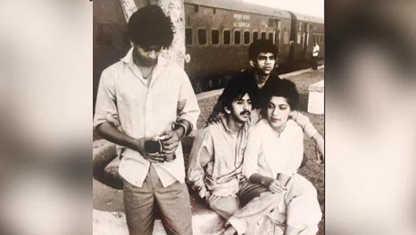 shahrukh khan old photo theatre time